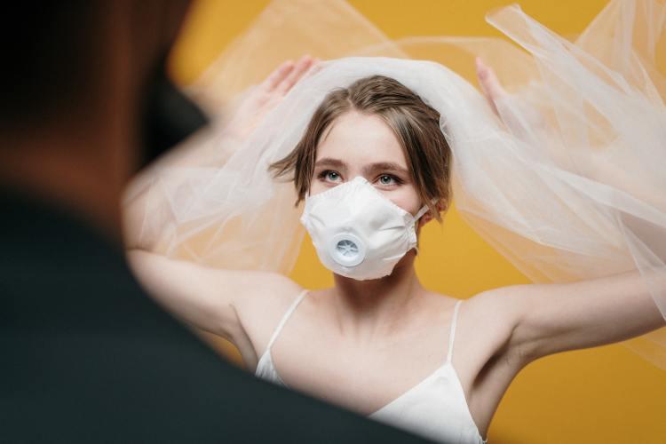 social distancing wedding