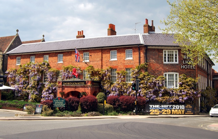 The red Lion in Henley on Thames