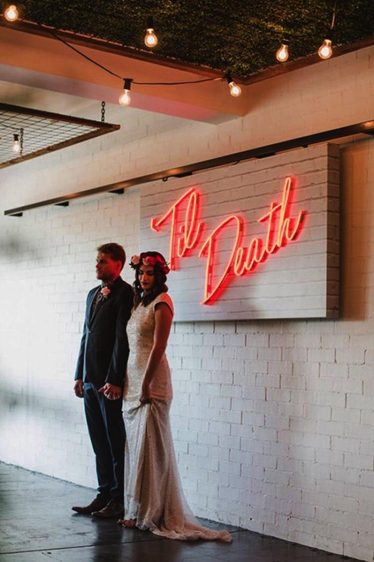 Neon wedding sign hire Oxfordshire