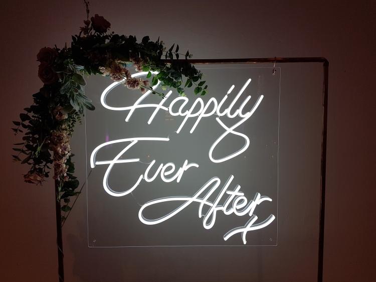 Neon wedding sign hire Windsor